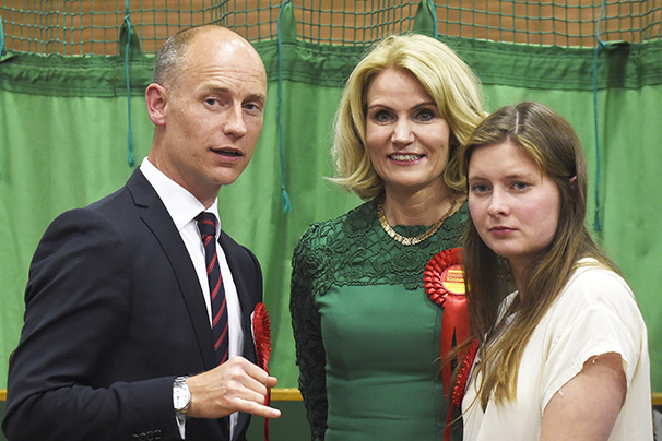 [Image: thorning-with-family-husband-stephen-kin...-606px.jpg]